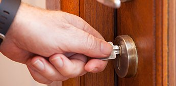 Lock Locksmith Tech Decatur, GA 404-793-5178